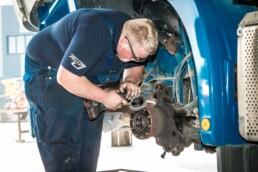 ROTH Nutzfahrzeuge - Bei ROTH machen wir immer ein bisschen mehr, als Sie erwarten - roth nutzfahzeugwerkstatt Werkstatt service 2 albstadt 1 uai